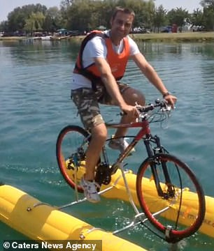 The Shuttle Bike Kit costs €1,399 and includes two bright yellow pontoons to ensure the rider floats while a propeller attached to the front wheel provides thrust