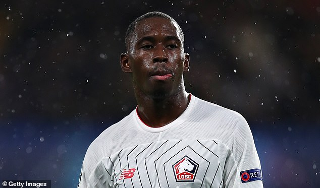 Boubakary Soumare is set to choose between Manchester United and Chelsea