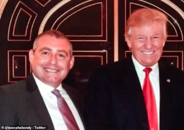 Great to make your acquaintance for the first time: Lev Parnas and Donald Trump at the door of what appears to be Mar-a-Lago