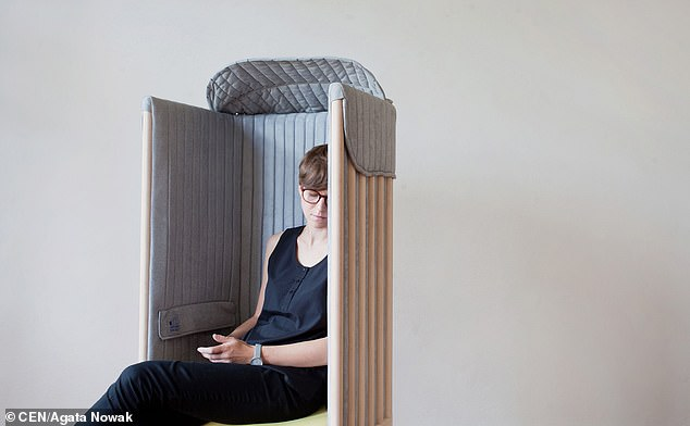 An 'offline chair' that can block a sitter's access to the internet has been designed to help smartphone addicts get back to reality and find a moment of relaxation.
