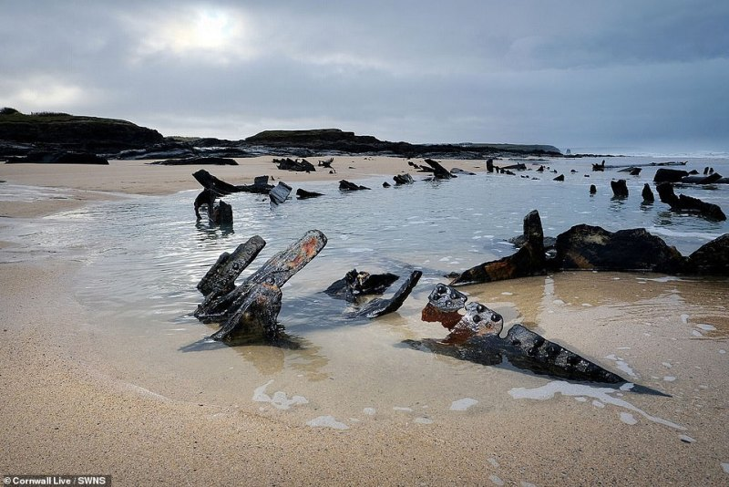 During a fierce storm on October 7th 1917, the Carl broke free whilst being towed to London to be broken up for scrap, and grounded on a reef at Booby's Bay near Padstow