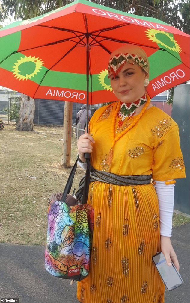 Gibson appeared in a cultural dress and carrying an 'Oromia' umbrella in an event last year