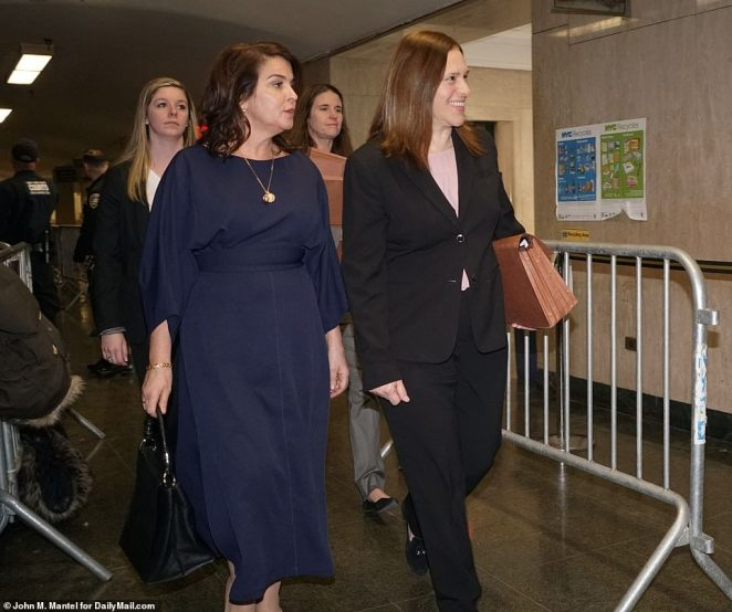 Actress Annabella Sciorra, left, with Manhattan Assistant District Attorney Joan Illuzzi-Orbon, right, on Thursday. Her testimony sets up the first of several face-to-face confrontations between Weinstein and his accusers