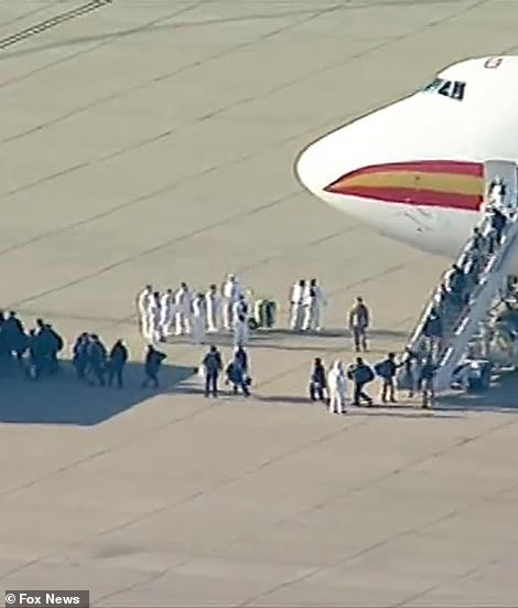 Teraz wszyscy pasażerowie podlegają 14-dniowej federalnej kwarantannie