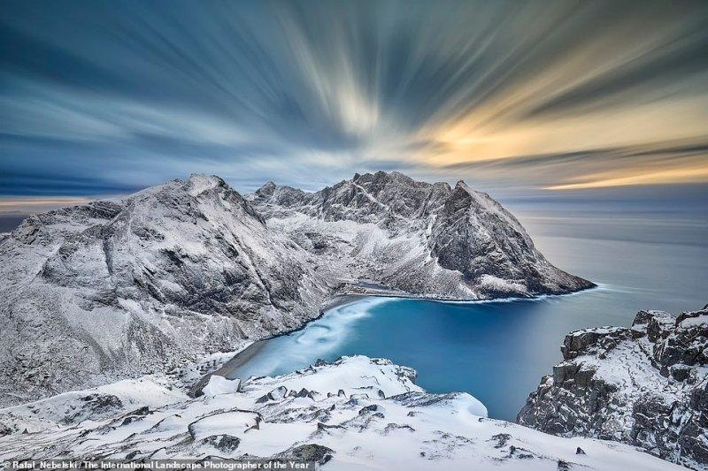 This image of the remote Kvalvika Beach in Lofoten, Norway, was taken by Polish photographerRafal R. Nebelski