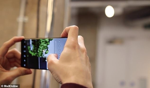 The Galaxy S20 Ultra can zoom in up to 100x using a combined optical zoom and an AI-powered digital zoom - however, before it