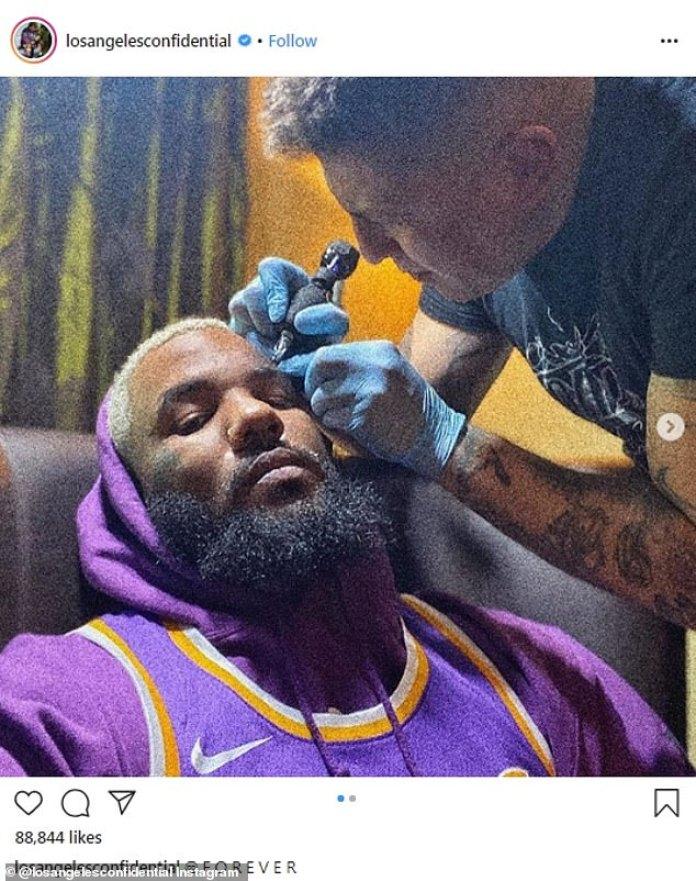 En homenaje: The Game compartió fotos de su nuevo tatuaje facial que conmemoraba a la estrella fallecida de Kobe Bryant en una publicación de Instagram el miércoles