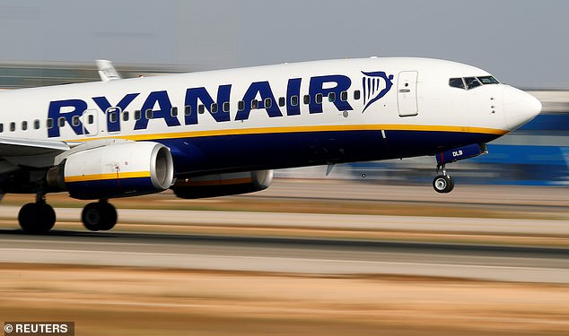 Ryanair ordered to pay £ 420 passengers after failing to compensate her for a four hour flight delay