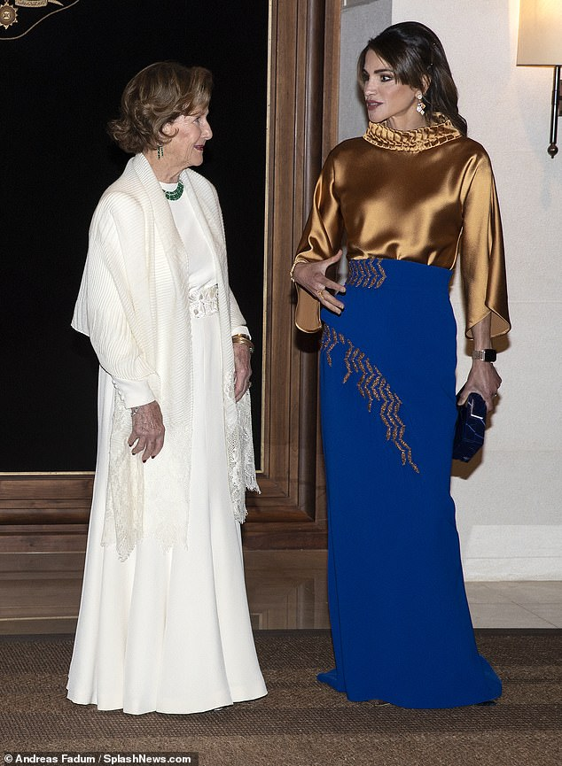 The state visit marks 25 years since the Norwegian embassy in Jordan was established. Pictured:Queen Sonja delighting in conversation with Queen Rania