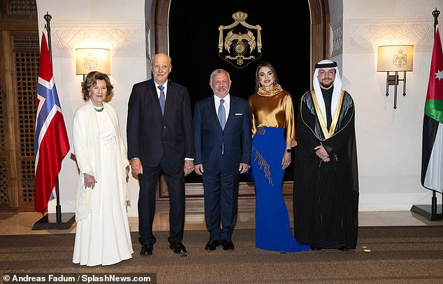 Queen Sonja, 82, andKing Harald of Norway, 83, attended a banquet dinner tonight, as they began their state visit to Jordan (Pictured:Queen Sonja andKing Harald withKing Abdullah II, Queen Rania and Crown Prince Al Hussein bin Abdullah II)