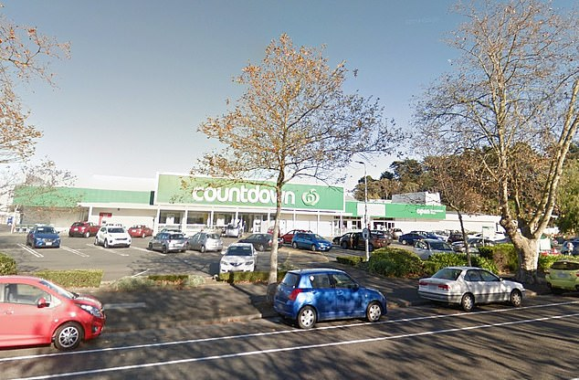 The local also stunned fellow shoppers atCountdown Victoria Avenue in Whanganui