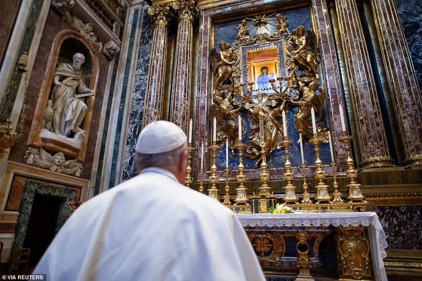 Pope Francis prays in the basilica of Santa Maria Maggiore for the end of the coronavirus pandemic, today in Rome