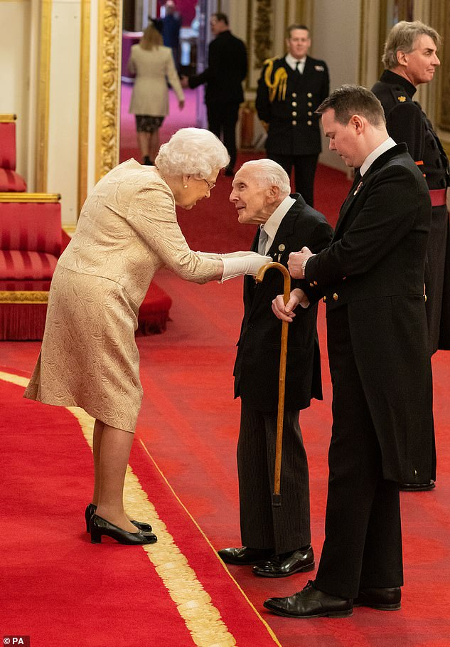 The Queen, who has been investing since 1952, was wearing gloves for the first time when investing in Buckingham Palace when she handed an MBE to D-Day veteran Harry Billinge earlier this month