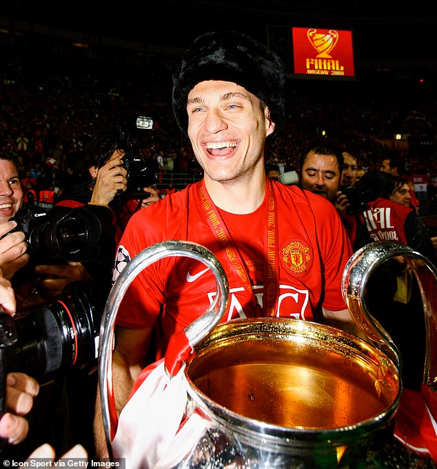 Vidic with the same trophy during his time with United — he won the trophy back in 2008