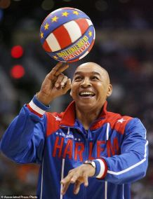 Harlem Globetrotter Fred 'Curly' Neal, who Dazzled Crowds with his Dribbling Wizardry in 97 Countries Over 22 Years, Dies at Age 77
