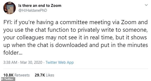 Но один зоркий профессор обнаружил, что чат на собрании можно сохранить автоматически - это значит, что все участники конференц-связи могут видеть, что вы делаете.