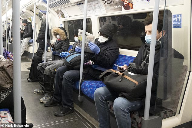 The British government has long believed that inexpensive paper masks offer little protection against COVID-19 capture. London Underground passengers wear them on Thursday