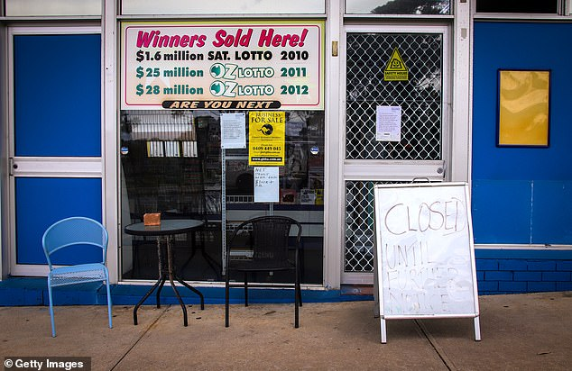 Nobody was buying fish and chips, or a winning lotto ticket at Mollymook on Wednesday as tourist town shops shutter their doors due to the spread of the coronavirus