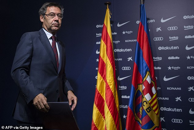Six members of the Barcelona Board of Directors resigned at the same time as President Josep Maria Bartomeu