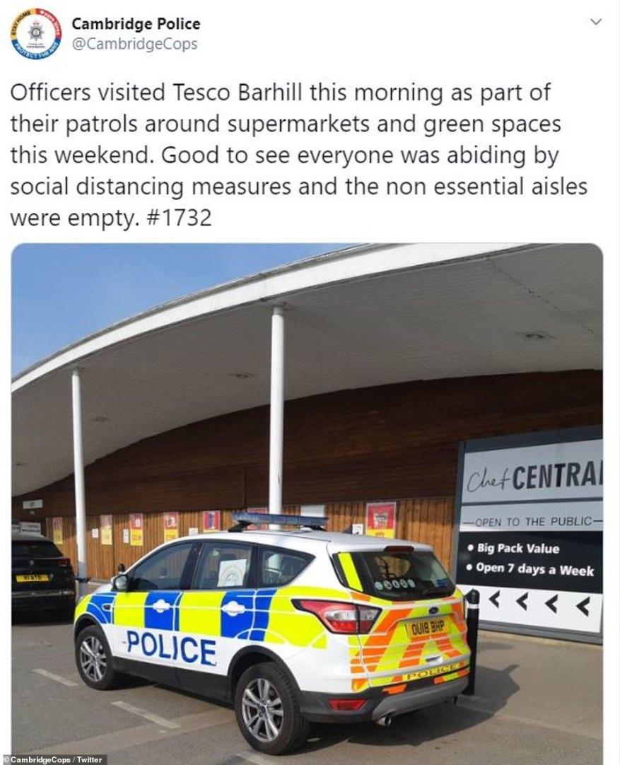 La cuenta oficial de Twitter de la policía de Cambridge se jactó esta mañana de que los oficiales habían visitado un supermercado local y encontraron pasillos que vendían artículos no esenciales, como barbacoas y tumbonas, que estaban