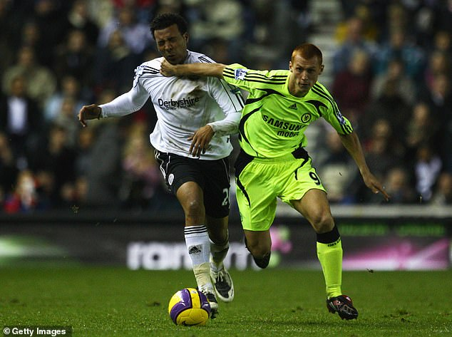 Steve Sidwell (right) was in the Chelsea team at the time and admits to being stunned