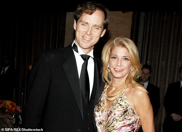 Bushnell was married to ballet dancer Charles Askegard for ten years between 2002 and 2012