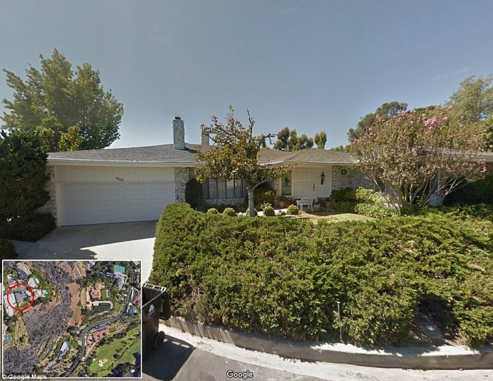 The billionaire Tesla also bought this house in the Bel Air district (the smallest circle on the left on the map)