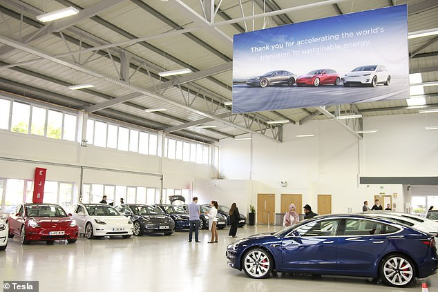 Thousands of British motorists have ordered one of Tesla's most affordable cars, although these are still drip-fed in the country, which is why the Model 3 has surpassed popularity charts. in April (photo from June 2019)