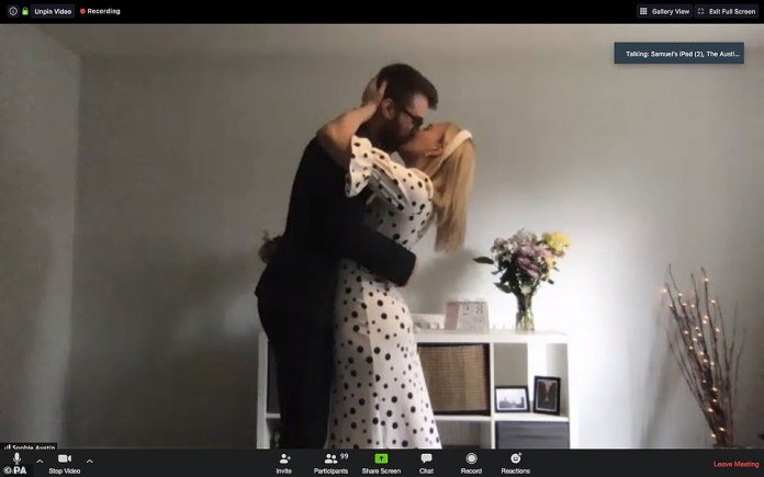 School lovers Ben Jackson, 25, and Sophie Austin, 26, of Croydon, got engaged in August 2018, but their dream wedding, scheduled for March 28, was canceled due to the pandemic of coronavirus. They decided to get married on the zoom instead