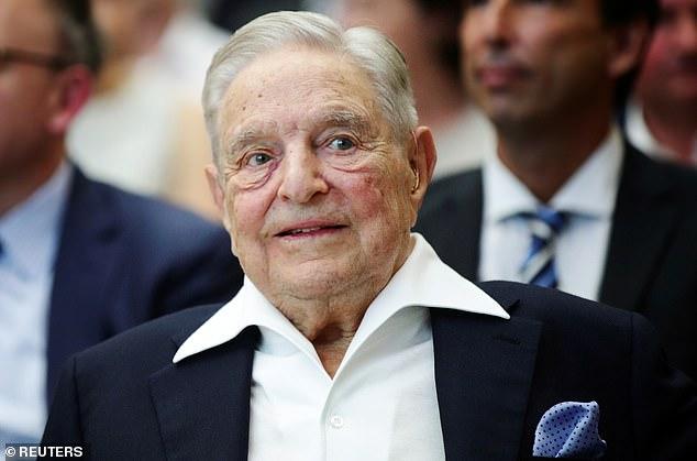 El multimillonario financiero George Soros (en la foto) dijo que la Unión Europea podría verse obligada a gravar directamente a sus ciudadanos a medida que el bloque enfrenta un colapso debido a la pandemia de coronavirus