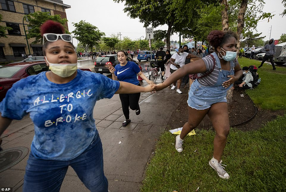 People gathered for the rally were seen running desperately from the scene away from the rain of rubber bullets and tear gas from police