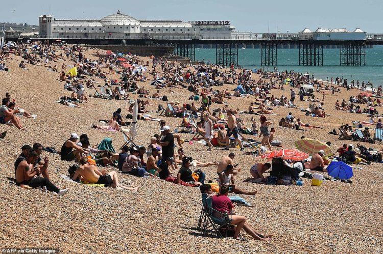 Brighton's beaches were a popular choice for sunseekers looking to soak up the rays this weekend. Most beach-goers appear to be a safe two-metres apart from others