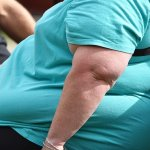 Losing weight before middle age 'can halve death risk'