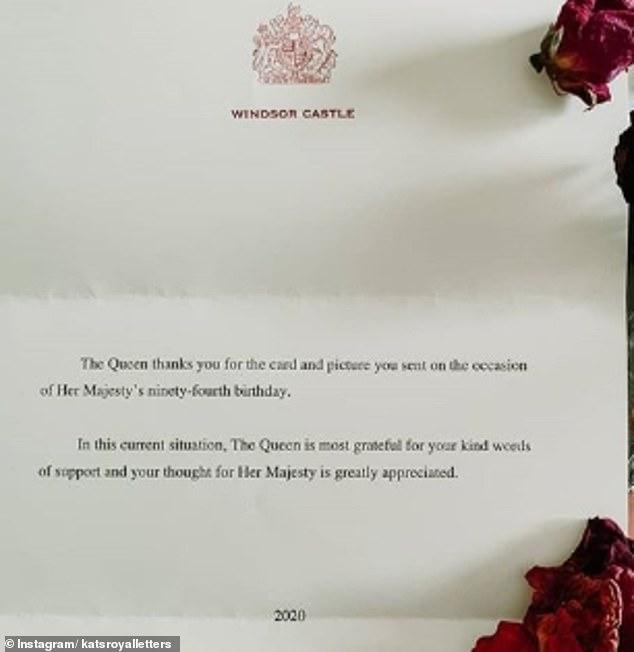 Une lettre envoyée aux partisans royaux dit que la reine «apprécie grandement» d'être gardée dans leurs pensées et est «très reconnaissante» des lettres qu'elle a reçues dans la «situation actuelle»
