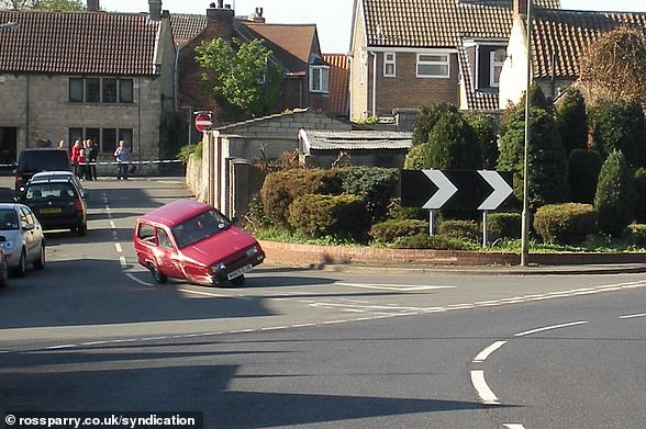 Devil's Flipping: In a Now Famous Top Gear Segment, Former Presenter Jeremy Clarkson Reversed Reliant Robin Several Times (Photo)