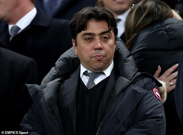 The agent of brazilian Joorabchian has set the club a deadline to sort out the future of his client
