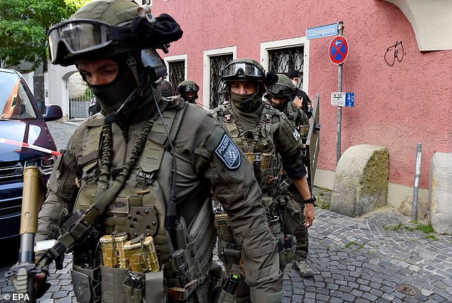 German Special Police (SEK) patrol the area and make sure that he is sure that the pension the pope comes to visit his brother Georg Ratzinger