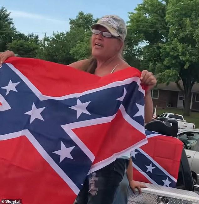 Missouri Woman Shouts Kkk Belief At Blm Supporters Internewscast