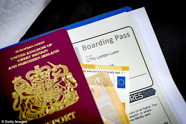 A woman complained to the expert in saving money by e-mail, stating that she had waited 13 weeks for a new passport (photo stock)