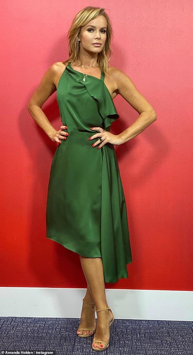 Green with envy! Amanda then proudly showed her ensemble with an Insta photo from inside the studio