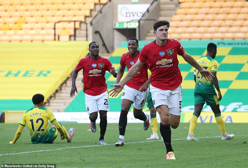 Manchester United are into the FA Cup semi-final after beating Norwich 2-1 after being frustrated deep into extra-time