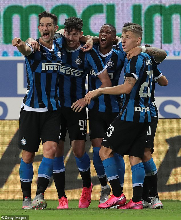 Inter Milan came from behind and snatched an 87th minute winner to beat 10-man Parma