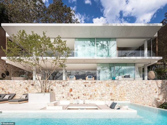 SOLD!Jennifer and husband Jake finally sold their stunning Newport mansion, on Sydney's Northern Beaches, this week for an impressive $20million after it was on the market for six months
