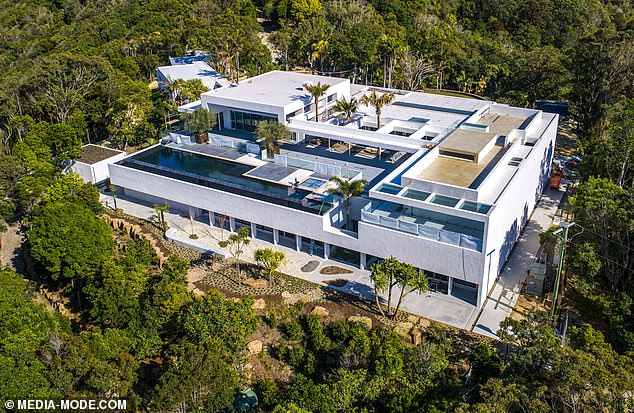 Bigger is better! Boasting breathtaking views of the Broken Head Nature Reserve, the Hemsworth family home features five bedrooms, seven car spaces, a study, two bars, and a massive 6.8m by 4m walk-in-wardrobe for Elsa