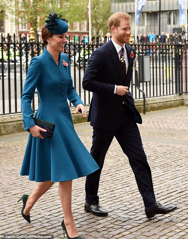Harry and Kate arrive at the service