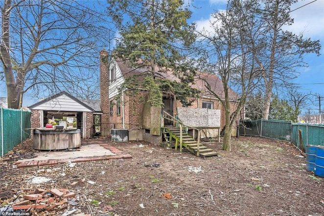 Built in 1945, the home has been listed for 105 days on realtor.com