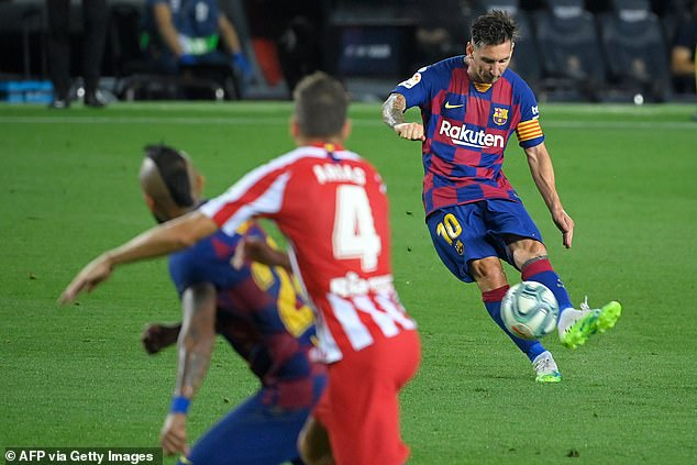 Lionel Messi curls a free-kick over the crossbar as Quique Setien's side dropped two points