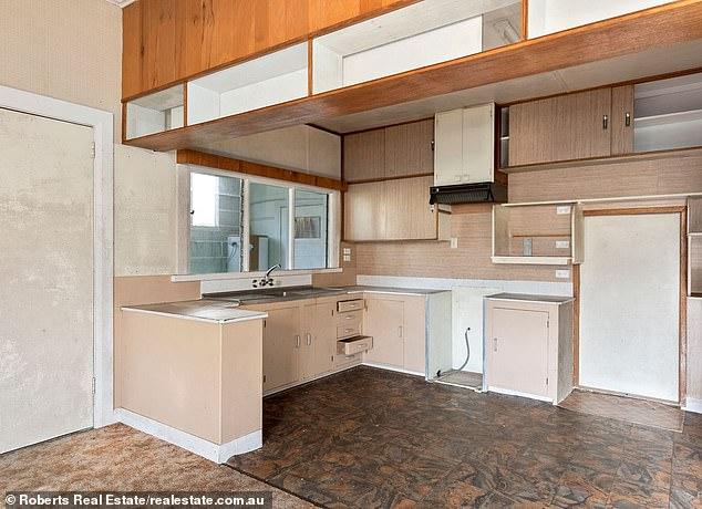 However some of the decor appears outdated with lots of wood-panelling, old-fashioned carpeting and wallpaper