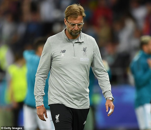 Klopp looks dejected after Liverpool are beaten in the 2018 Champions League final