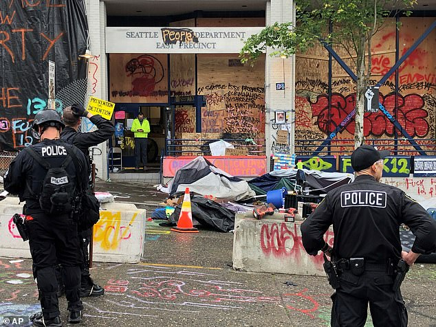 The clean up operation began at Seattle's Capitol Hill Organized Protest (CHOP) zone on Wednesday